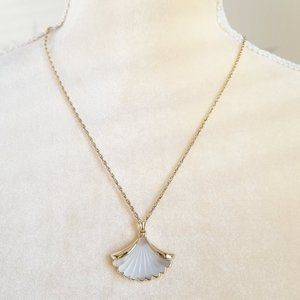 Vintage Avon Frosted Glass Shell Pendant Necklace